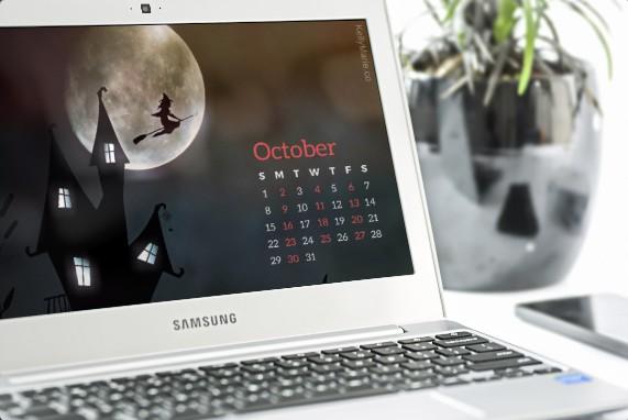 October 2017 desktop calendar